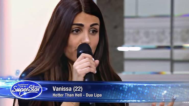 Kandidatin Vanissa Toufeili ist ins «Recall» gekommen und hofft mit «New Rules» von Dua Lipa darauf, weiterzukommen.