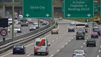 Das Postulat von René Gutknecht (GLP, Urdorf) und Andreas Hauri (GLP, Zürich) verlangte eine Obergrenze von 80 km/h auf den Autobahnabschnitten um Zürich. (Archivbild)