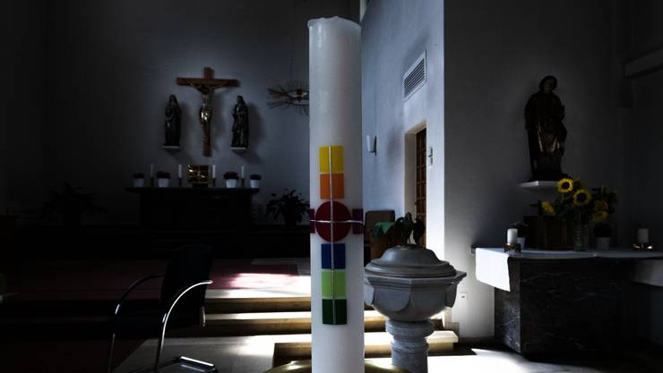 Die römisch-katholische Kirchgemeinde Grellingen hält in der Kirche St. Laurentius ihre Gottesdienste ab.