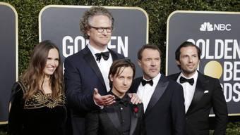 """Regisseur Florian Henckel von Donnersmark (hinten) steht voll und ganz hinter dem Schauspieler Tom Schilling (vorne Mitte), der in seinem oscarnominierten """"Werk ohne Autor"""" die Hauptrolle spielt."""