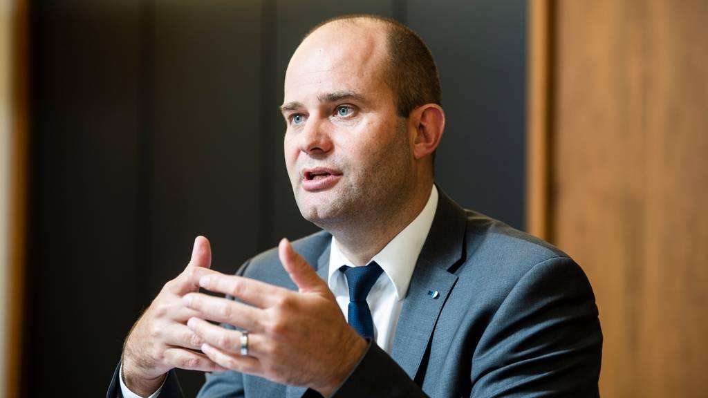 Das Departement von FDP-Regierungsrat Fabian Peter steht in der Kritik.