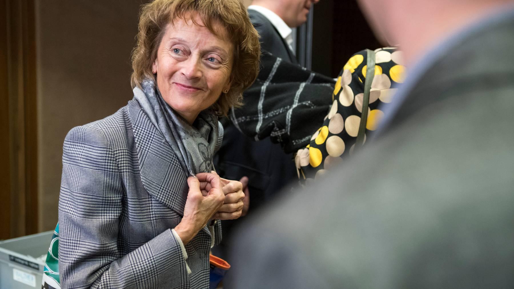 Eveline Widmer-Schlumpf fordert nebst härteren Massnahmen weitere finanzielle Hilfen.