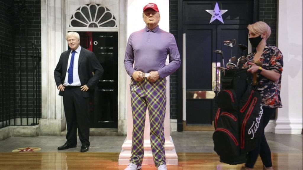 Trump neu in Golfkleider im Wachsfigurenkabinett