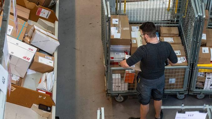 Besonders die Post und Detailhändler haben in letzter Zeit Stellen geschaffen. Sie profitieren vom Boom des Online-Handels.