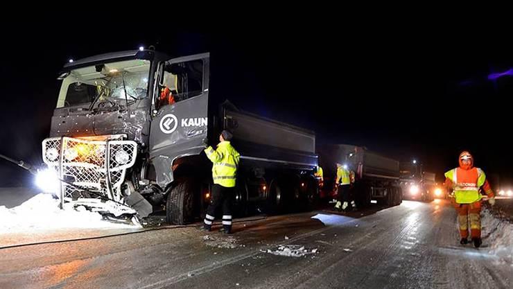Tragischer Unfall in Schweden – im Bild der Unglückslastwagen.