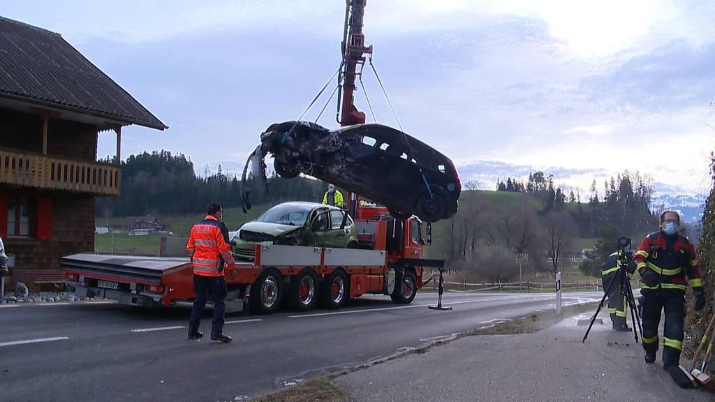 Menznau: Drei Personen bei Unfall nach Überholmanöver verletzt