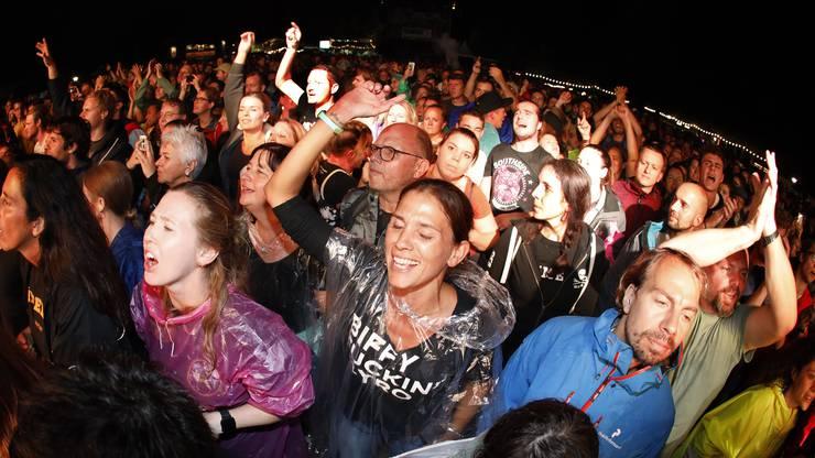 Die Biffy Clyro Fans erkannte man gut an ihren T-Shirts