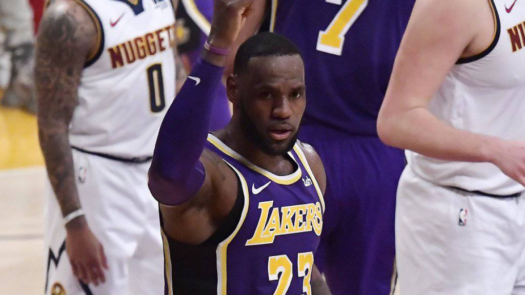 LeBron James avancierte im Spiel gegen die Denver Nuggets zum viertbesten NBA-Skorer aller Zeiten. Er überholte damit den legendären Michael Jordan