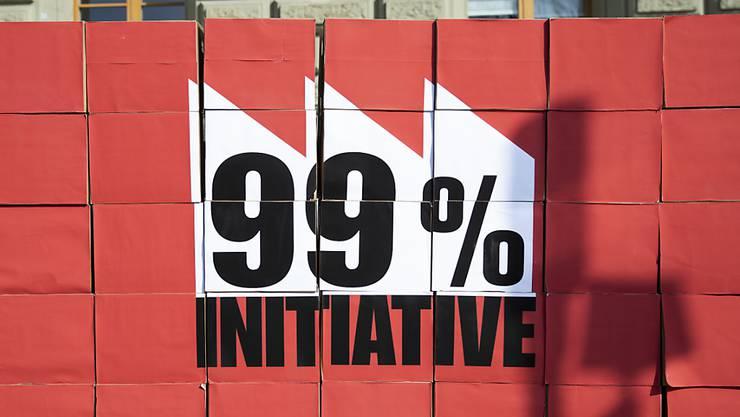 Die Jungsozialisten verlangen, dass das reichste Prozent der Bevölkerung zugunsten der weniger verdienenden Bevölkerung stärker besteuert wird. Der Bundesrat sieht keinen Handlungsbedarf. (Archivbild)