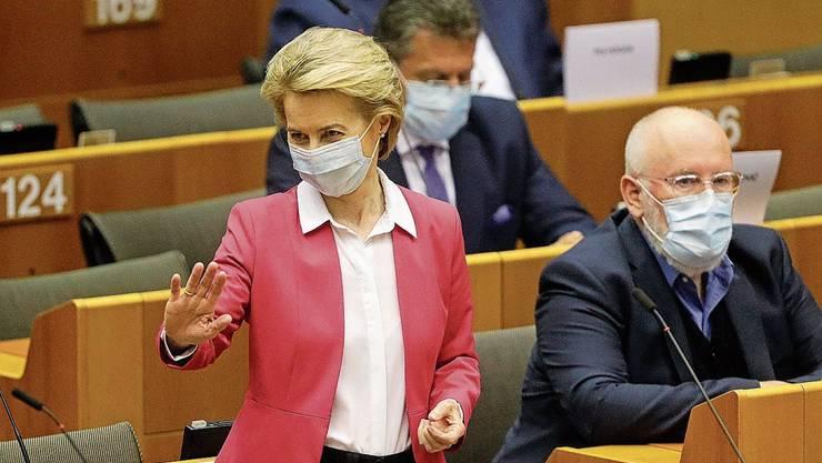 EU-Kommissionspräsidentin Ursula von der Leyen, mit Schutzmaske.