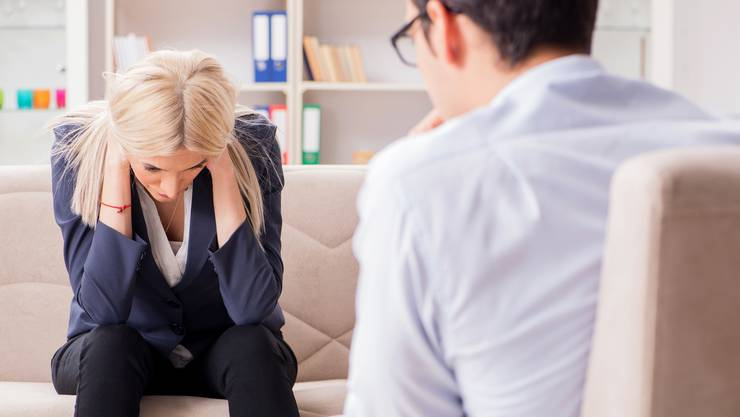 Ein Psychiater nutzt die Notlage einer Patientin aus. Wann muss die Justiz einschreiten? (Symbolbild)