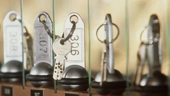 Etwas weniger Übernachtungen: 2016 blieben die Zimmerschlüssel öfter an den Hotelempfängen als im Vorjahr. (Archiv)