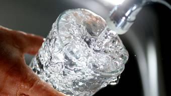 Das Trinkwasser in Bergdietikon wurde untersucht.  (Symbolbild)