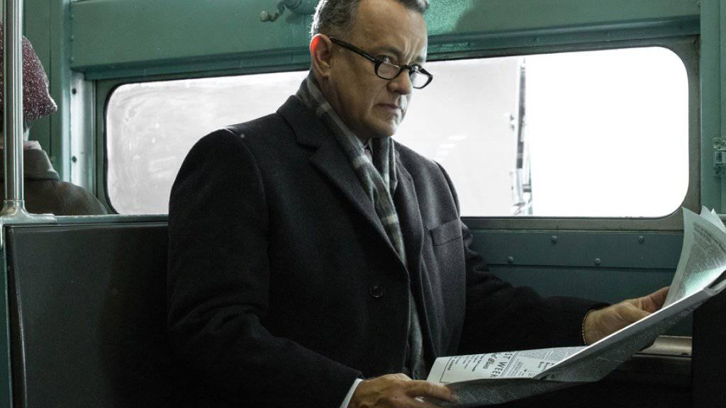Tom Hanks in «Bridge of Spies», der im Kalten Krieg in Berlin spielt. Er selber hat die geteilte Stadt nie erlebt, wie er bedauert (Archiv).