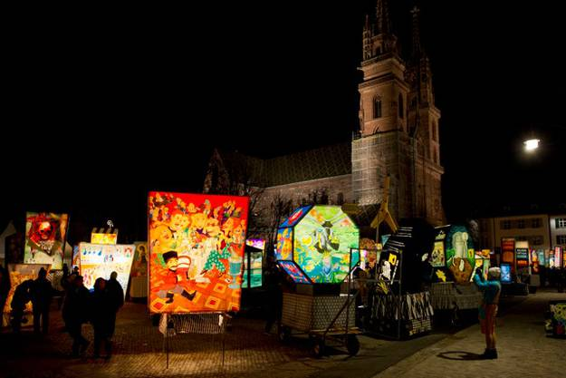 Laternenausstellung auf dem Basler Münsterplatz