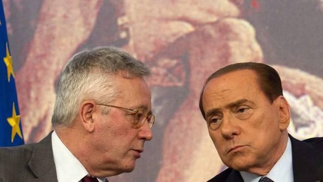 Italiens Finanzminister Giulio Tremonti (l) und Premier Silvio Berlusconi
