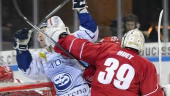 Autsch!! Lausanne-Hüter Huet schlägt Ambris Giroux die Faust ins Gesicht