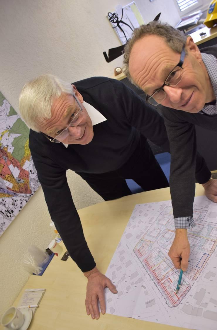 Für Ammann Julius Fischer und Bauverwalter Peter Göldi tun sich neue Möglichkeiten auf.