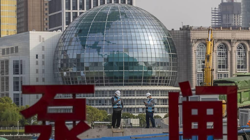 Eine Baustelle in China. Chinas Wirtschaft hat in den ersten drei Monaten des Jahres so stark zugelegt wie seit Beginn der quartalsweisen Aufzeichnungen vor 30 Jahren nicht mehr. (Symbolbild)