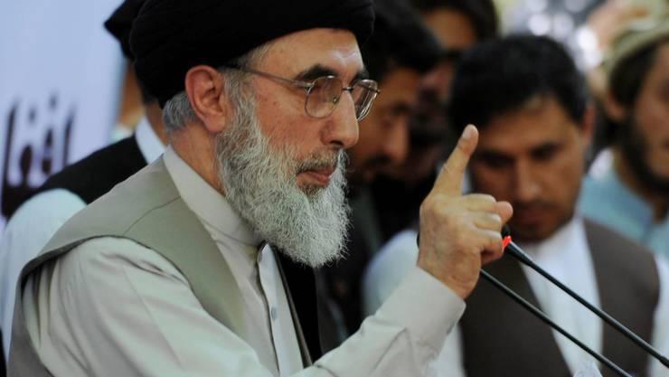 Der frühere afghanische Kriegsherr Gulbuddin Hekmatjar bei seinem ersten öffentlichen Auftritt seit zwei Jahrzehnten.
