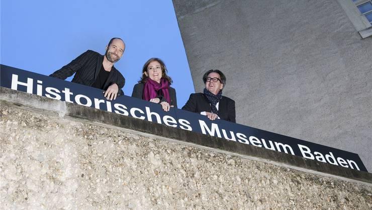 Patrick Nöthiger (Leiter Kultur), Museumsleiterin Carol Nater Cartier sowie Stadtrat und Kulturvorsteher Erich Obrist (v. l.) freuen sich über den Besucherrekord. zvg