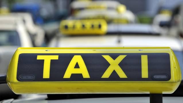«Um gegen den Fahrdienst Uber mit gleich langen Spiessen zu kämpfen, können sich die Taxi-Unternehmen nicht einfach auf die Schützenhilfe der Politik verlassen; sie müssen selber aufrüsten.» (Symbolbild)