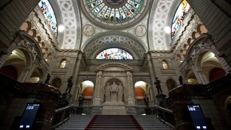 Blick ins Parlamentsgebäude: Wer darf in der kommenden Legislatur diese Treppe hochschreiten und dann in den Ständeratssaal abbiegen?