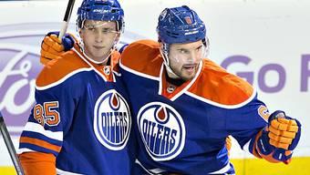 Jesse Joensuu (rechts, mit Oilers-Teamkollege Marincin) zum SCB