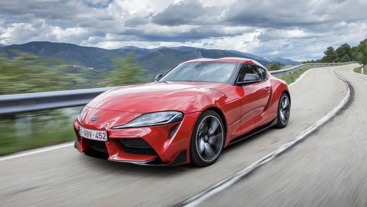 An der Front ist der neue Toyota Supra auf den ersten Blick zu erkennen. Der Sportler verbraucht laut NEDC-Fahrzyklus 7,4 l/100 km.