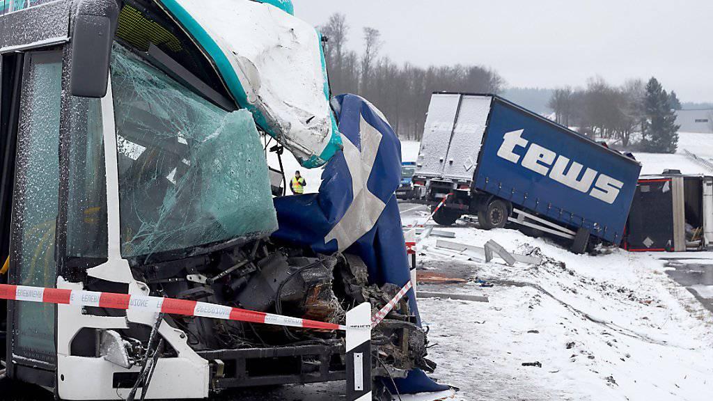 Im vergangenen Jahr kamen auf Europas Strassen 25'300 Menschen bei Unfällen ums Leben. (Symbolbild)