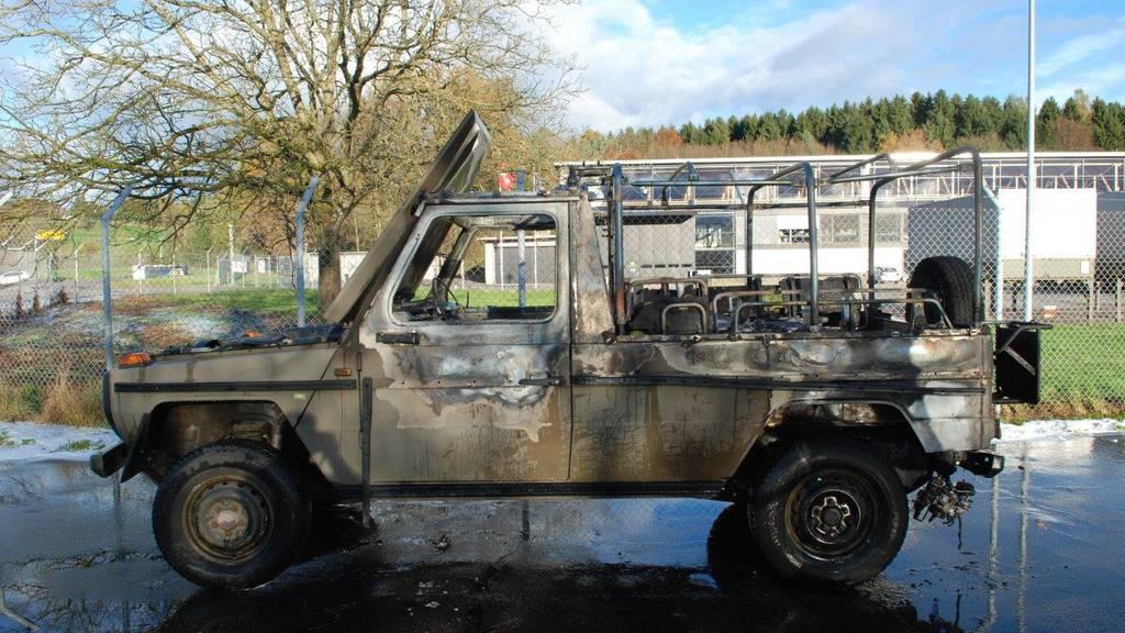 Autobrand bei Tankstelle auf Flugplatz Emmen