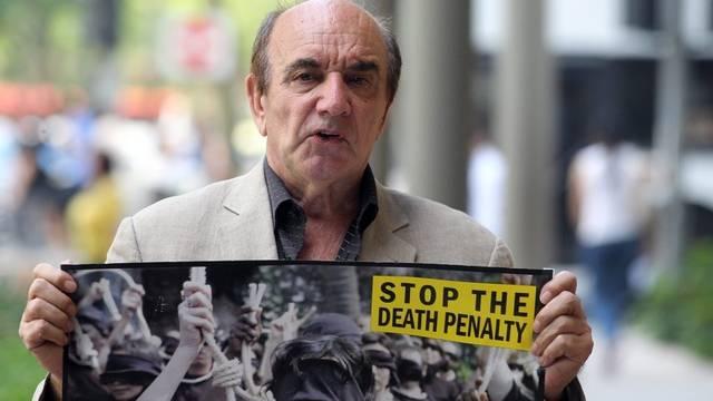Wegen eines kritischen Buchs über die Todesstrafe in Singapur sitzt Alan Shadrake nun in Haft (Archiv)