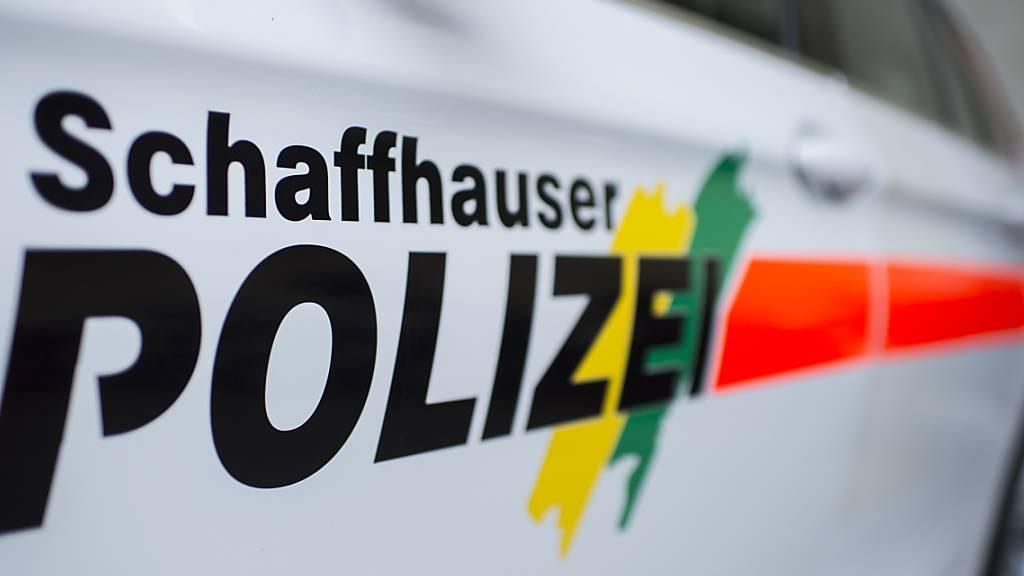 Die Schaffhauser Polizei musste am Samstagmittag wegen eines Wohnzimmerbrands ausrücken. (Symbolbild)