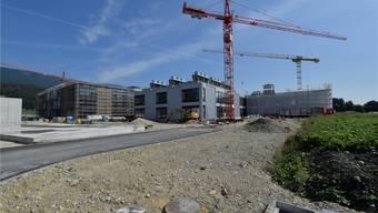 Erstes Gebäude ohne Gerüst: CSL-Behring-Neubau in Lengnau.
