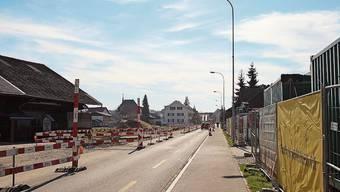 Ab dem Kreisel Kehrbrunnenplatz ist die Seetalstrasse in Schafisheim nur im Einbahnregime befahrbar. Ende August soll die zweite Etappe beendet sein.