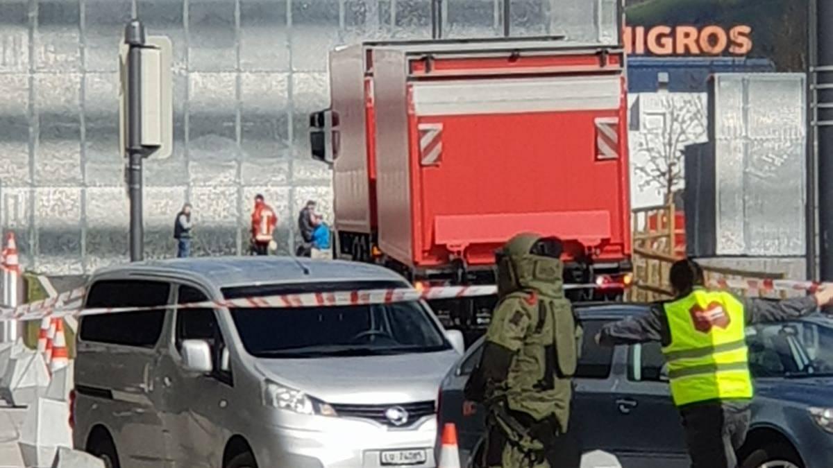 Bombendroher von Mall of Switzerland angeklagt