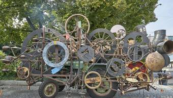"Jean Tinguelys fahrbare Maschinenskulptur ""Klamauk"" kann nicht mit an die Fête des Vignerons in Vevey."