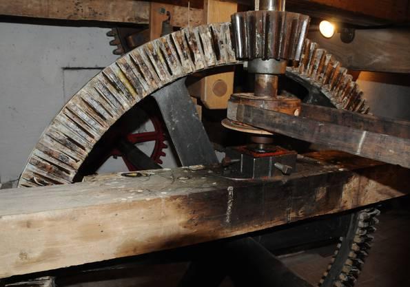 Ein Blick ins Getriebe der Alten Mühle. Kegelrad mit Sternritzel