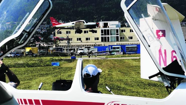 Grenchen: Der Flughafen hofft auf Mittel aus der Flugtreibstiffbesteuerung. Hanspeter Bärtschi