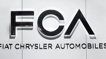 Der Autokonzern Fiat Chrysler ruft Tausende seiner Fahrzeuge zurück. (Archivbild)