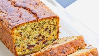 Nicht zu feucht und schön luftig: Annemarie Wildeisen zeigt, wie der perfekte Kürbis-Schoggi-Cake gelingt.