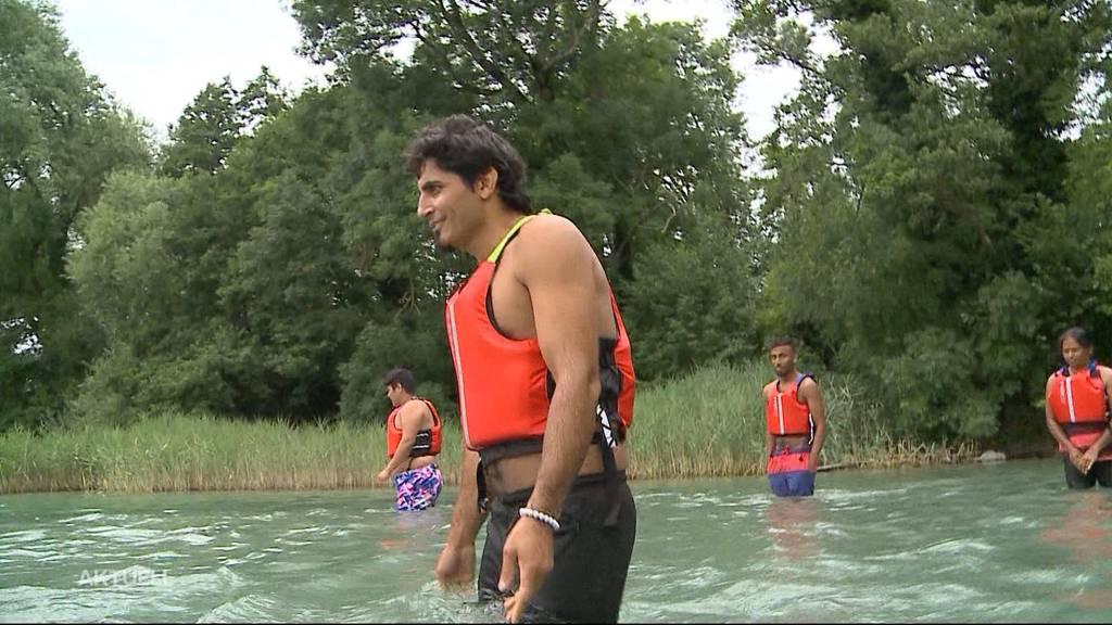 Schwimmkurs für Flüchtlinge im Hallwilersee