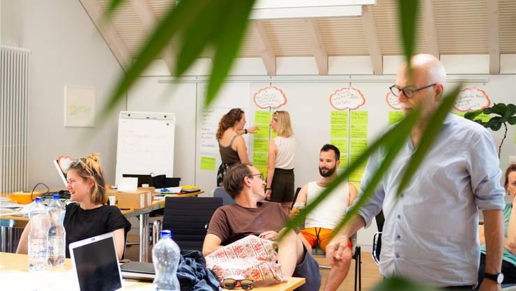 Die Studierenden der Hochschule Luzern führten in einer Woche 45 Befragungen durch und werteten diese aus. zvg/Samuel Kocher