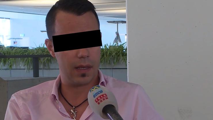 In Kappel wurde Manuel S. mit öffentlich ausgehängten Flyern als pädophil bezeichnet. Im Interview mit TeleM1 wehrte er sich dagegen.