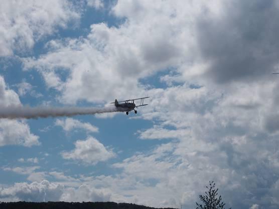 OLYMPUS DIGITAL CAMERA Warbird Fly-In auf dem Flugplatz Birrfeld. Organisiert vom Swiss Wing der US-amerikanischen Organisation Commemorative Air Force.