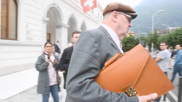 Dieter Behring verlässt das Gericht.