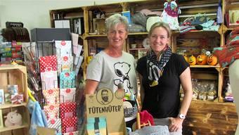 Sind stolz auf ihr kleines Reich: die Gründerinnen von «eiFACH so ...» Karin Graf und Sabine Pfister (von links).