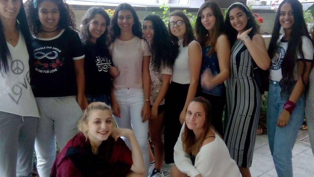 Diese arabischen und jüdischen Mädchen aus Haifa haben einige Tage in der Schweiz verbracht, um sich besser kennenzulernen.