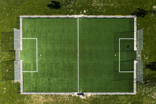 Ein leeres Fussballfeld in Yverdon-les-Bains.