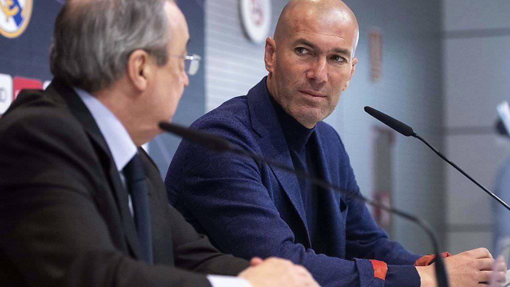 Zinédine Zidane verkündet anlässlich einer kurzfristig anberaumten Medienkonferenz am Donnerstagmittag seinen Rücktritt als Trainer von Real Madrid